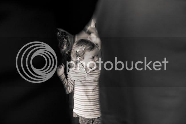 http://i892.photobucket.com/albums/ac125/lovemademedoit/PARRY_GIRLS_011.jpg?t=1319741605