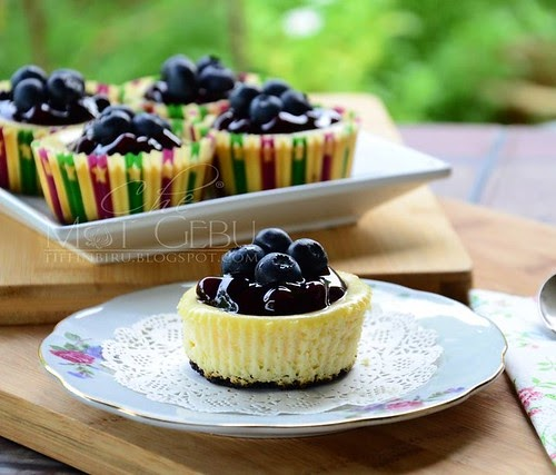 MINI BLUEBERRY CHEESE CAKE