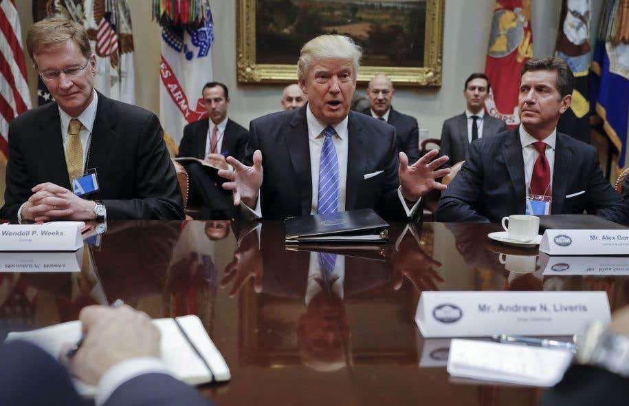 <em>«Nous allons baisser les impôts de façon massive, à la fois pour la classe moyenne et pour les entreprises»</em>, a déclaré Donald Trump.