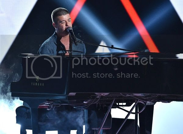 Watch: Robin Thicke dedicates 'Forever Love' to Paula Patton at BET Awards...