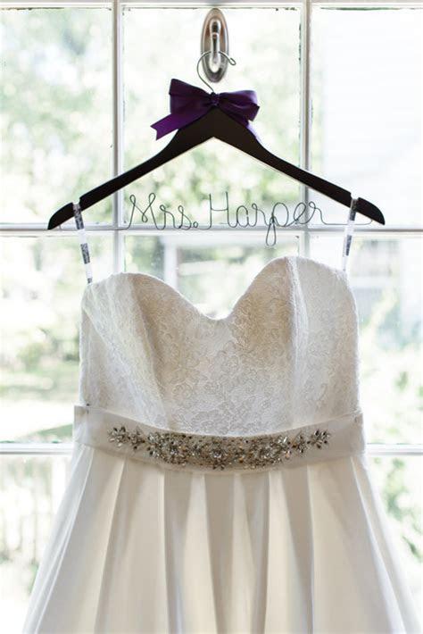 Wedding hangers for your wedding dress   Chic & Stylish