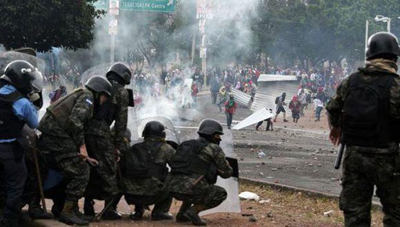 El gobierno decretó un toque de queda para intentar frenar la violencia. Foto: AFP