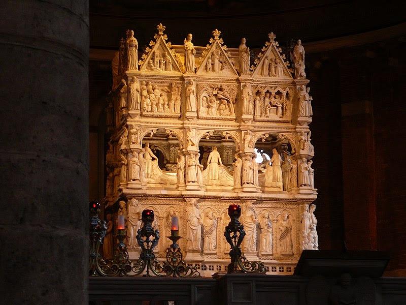 Archivo:. Pavía San Pietro Arca Sant'Agostino JPG