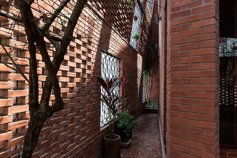 hệ cây xanh giữa hai lớp tường