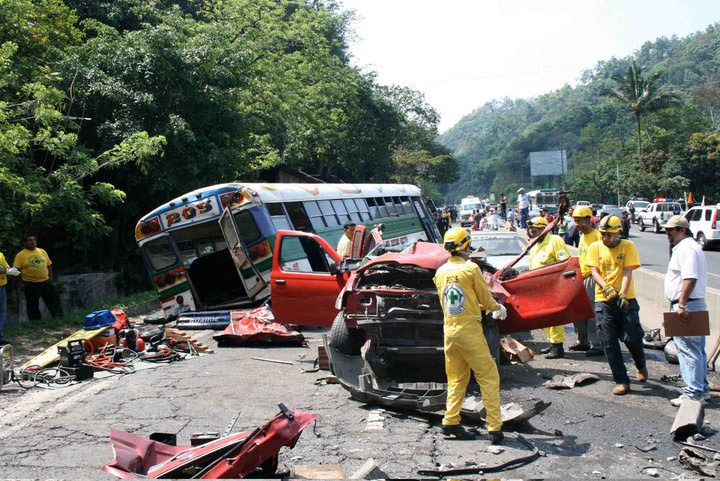 http://www.salvamento.org//wp-content/gallery/grave_accident_4_4_10/ric2.jpg