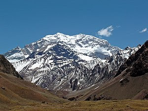 Aconcagua mountain, from entrance Parque Provi...