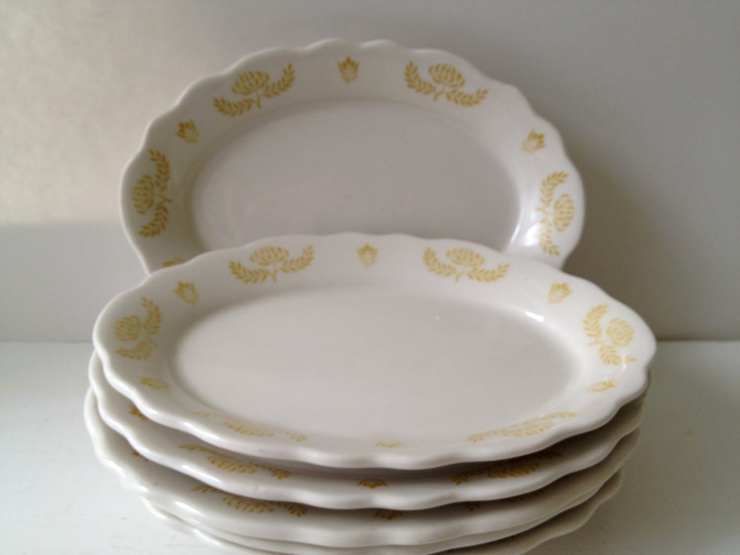 SALE - Set of 6 Vintage Scalloped Plates - Mustard Yellow Design
