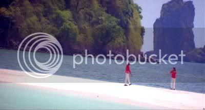 http://i298.photobucket.com/albums/mm253/blogspot_images/Unnai%20Ninaithu/PDVD_045.jpg