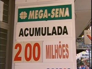 Mega da Virada terá prêmio superior a R$ 200 milhões (Foto: Reprodução RBS TV)