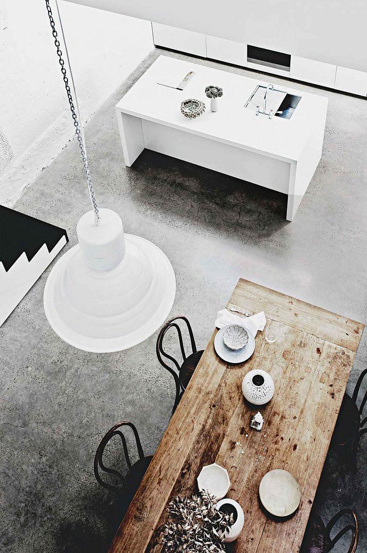 photo white-brick-wall-home-10_zpshm23aant.jpg