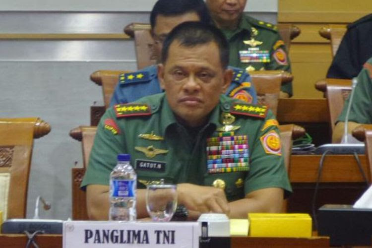 Panglima TNI Jenderal TNI Gatot Nurmantyo sebelum rapat kerja dengan Komisi I DPR, Senin (6/2/2017).