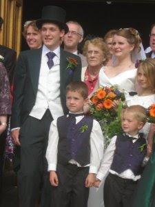 Nana_in_wedding_pic
