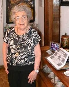 Alejandra Soler, en el salón de su casa. ASOCIACIÓN DE AMIGOS DE LA FUE