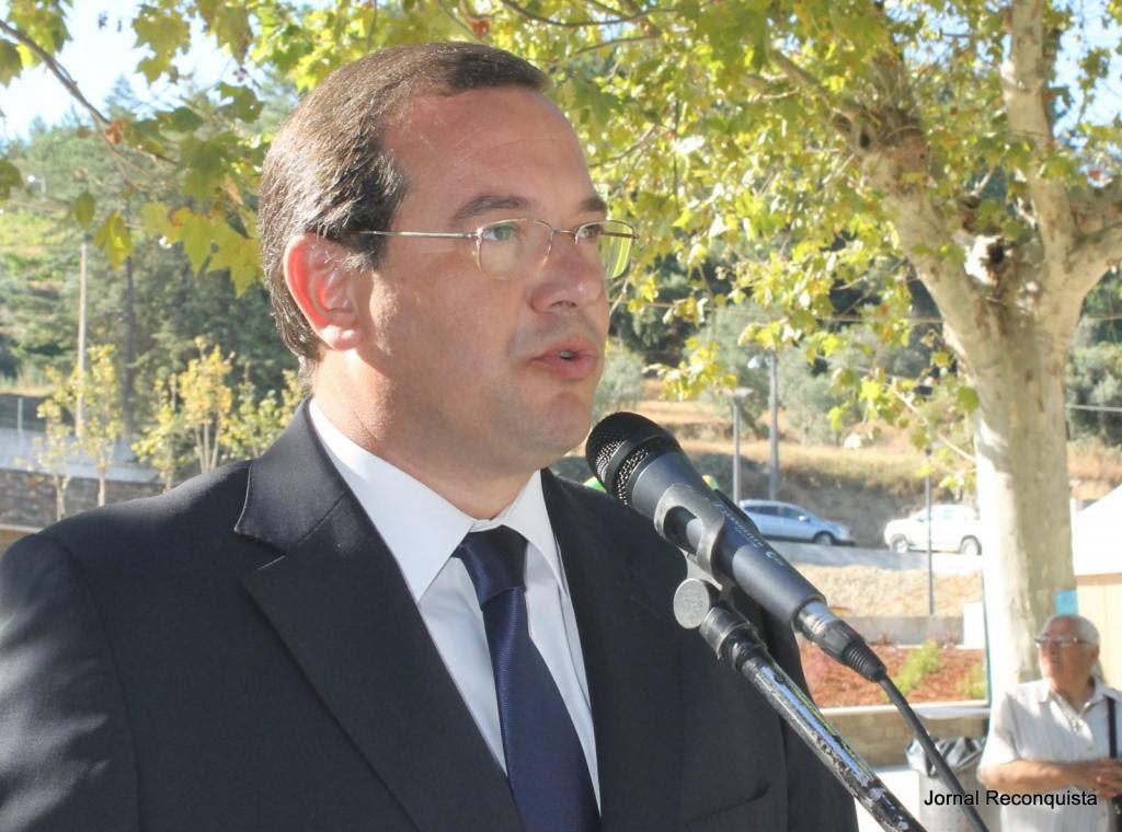 Resultado de imagem para Comunicado do presidente da Câmara Municipal de Proença-a-Nova, João Lobo