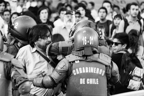Su codazo corto by Alejandro Bonilla