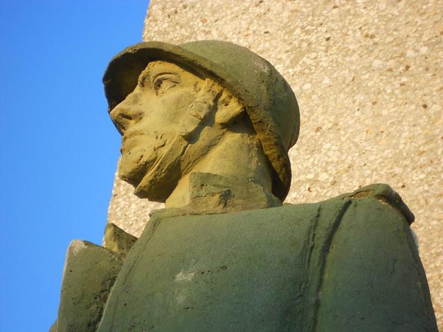 Dettaglio, monumento ai caduti, Virgilio Milani, Borsea