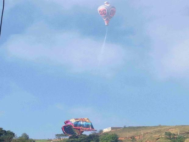 Balão cai na zona norte de São José dos Campos (Foto: Marcus / Vanguarda Repórter)