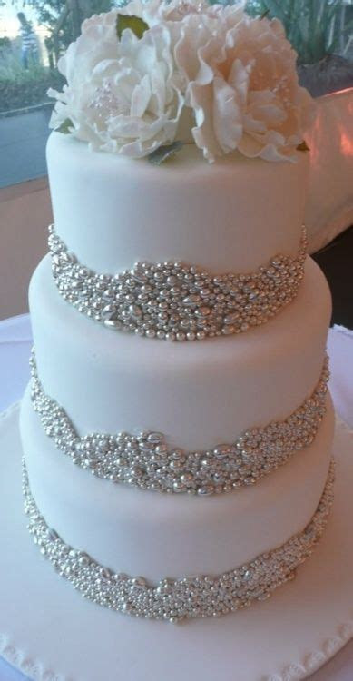 Best 25  Bling cupcakes ideas on Pinterest   Crystal cake