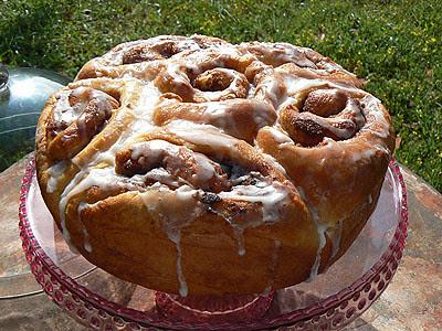 cinnamon roll 2.jpg