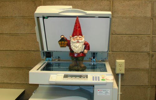 Gnome and Copier - Flickr - fplgnome