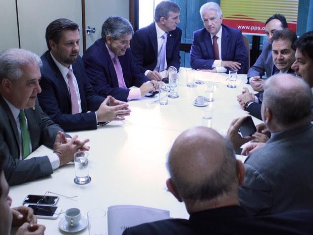 Líderes da oposição reunidos nesta terça (8) na Câmara dos Deputados (Foto: Robson Gonçalves/Câmara dos Deputados)