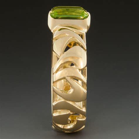 Peridot Ring w/18K Yellow Gold Pierced Band