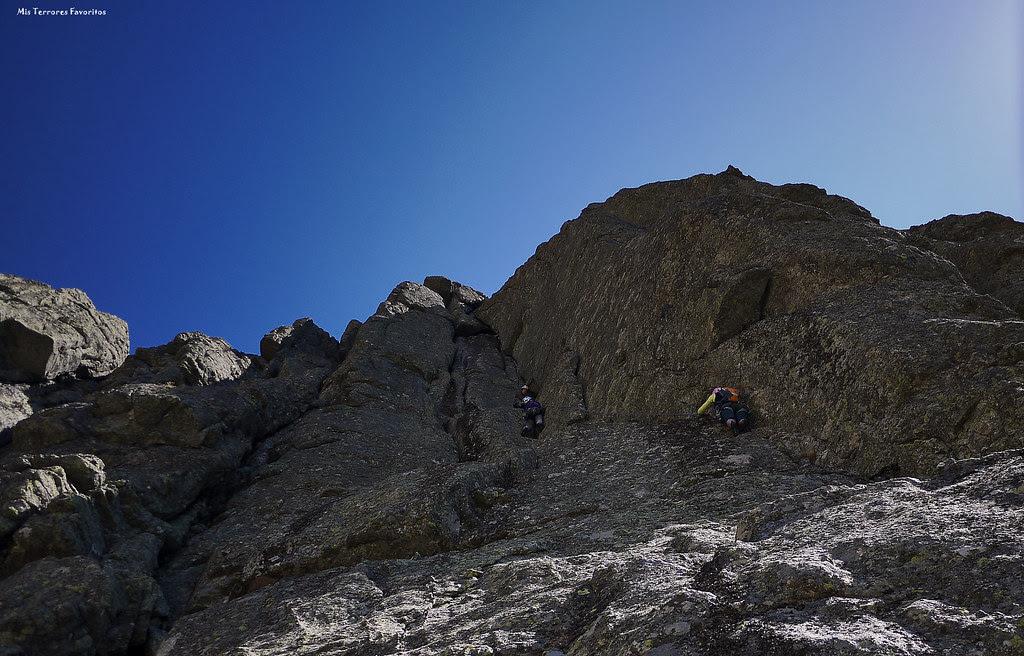 VÍA MARIPAZ  220 m ED - RISCO GORDO - PARED NOROESTE