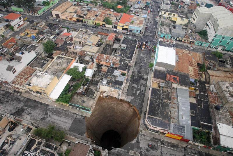 APTOPIX Guatemala Sinkhole