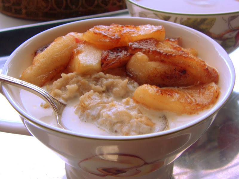 Scottish Oatmeal and Caramelized Apples