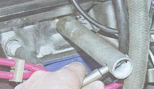статья про замена датчика указателя температуры охлаждающей жидкости (ДТОЖ) на автомобиле ВАЗ 2106