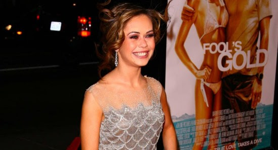 Alexis Dziena on the red carpet