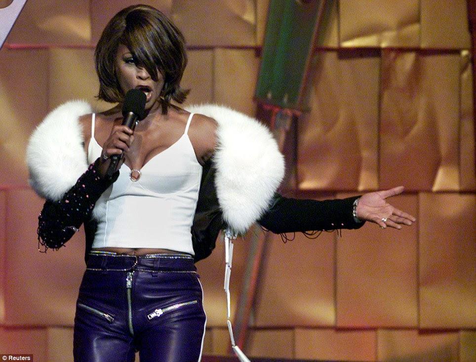 Grande estrela: A partir dos anos 1980 a média final dos anos 1990, Houston foi um artista do mundo best-seller