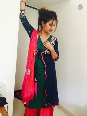 Anisha Singh New Pics - 5 of 10