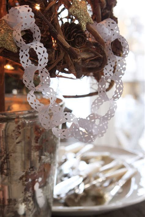 15 Ways To Make & Use Classic Chain Link Garland