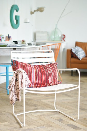 surprising by wood & wool stool