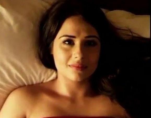 Actress Mandy Takhar Hot Pics, Unseen Bikini Photos