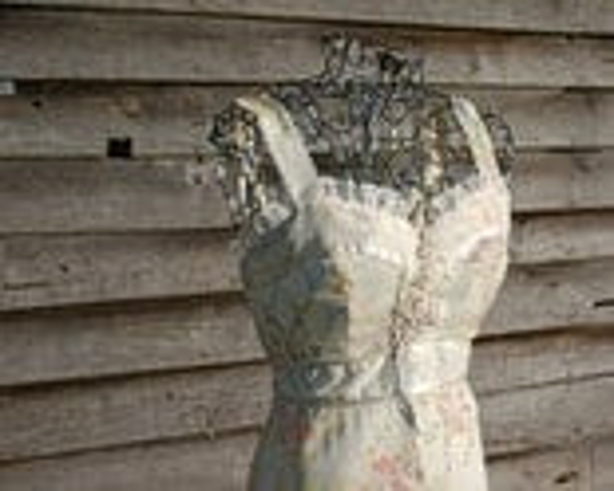Beautiful Corset / Gunne Sax Style Calico Dress.  Cream w Orange and Yellow Flowers.  Women's Size S XS