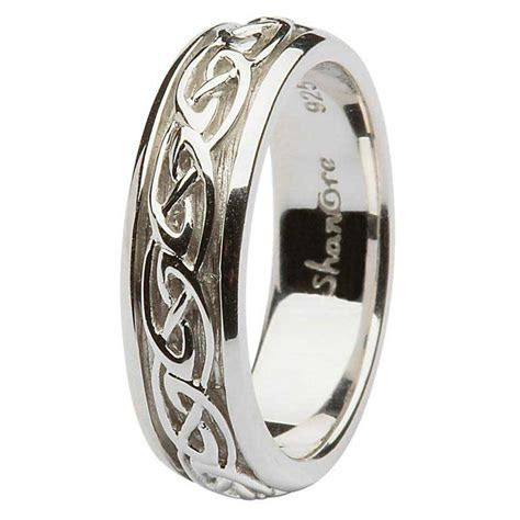 May Giveaway: Win a Ladies Silver Celtic knot Wedding Ring
