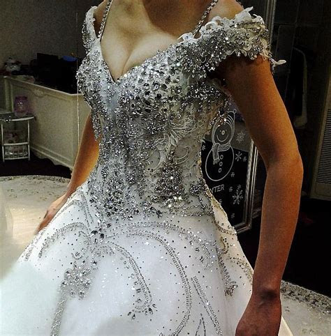 25  best ideas about Gypsy Wedding Dresses on Pinterest