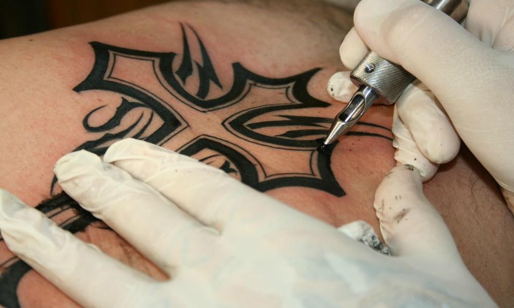 Fallece Tras Infección Por Meterse Al Golfo De México Con Un Tatuaje