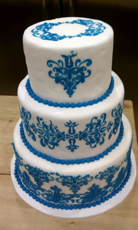 Wedding Cakes Pictures: Blue and White Wedding Cakes
