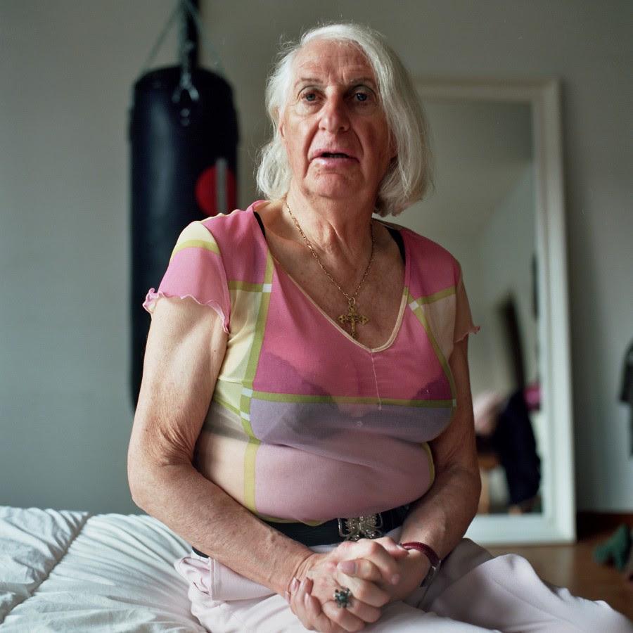 смотреть голых старушек видео красивы тела