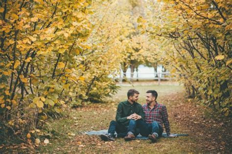 Sweet Autumn Engagement Session at Gellatly Nut Farm