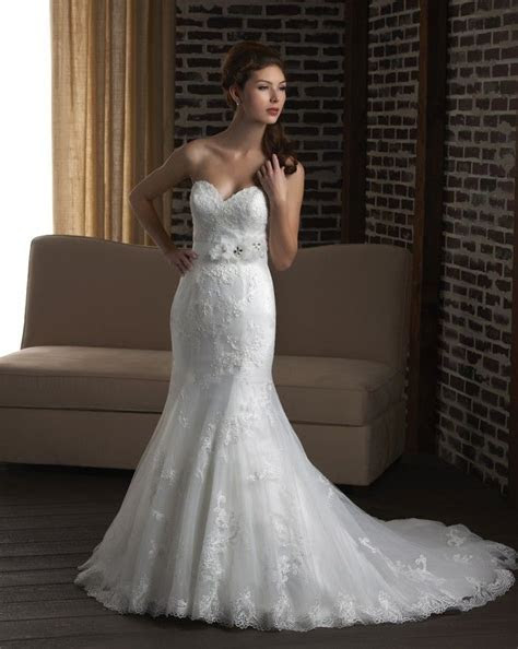 Mermaid lace wedding dress   Simple lace wedding gown