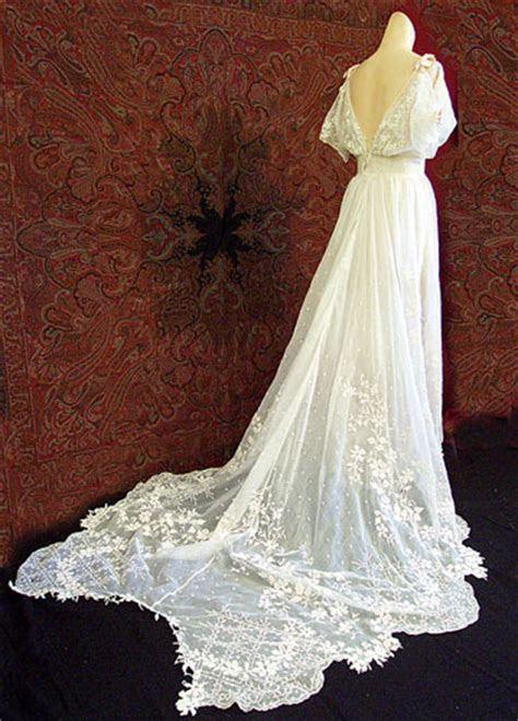 Celebrity Stars: Bella Swan?s Wedding Dress