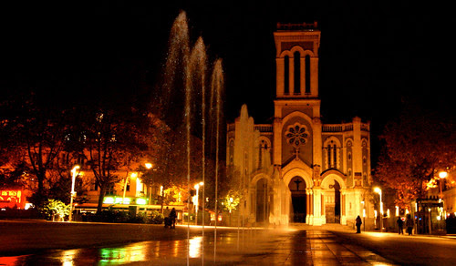Saint-Etienne Cathedral (night)