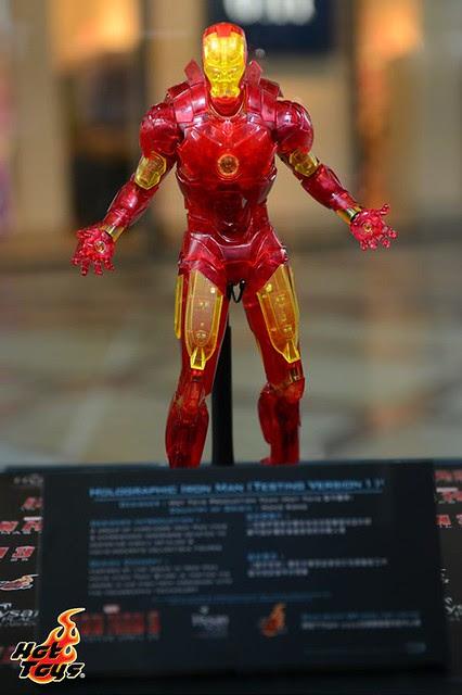 Iron man lights up - Marvel Quantum Mechanix q-fig con illuminazione