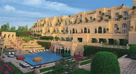 Best Wedding Venues in Agra? hotels near taj mahal