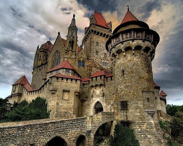 Risultati immagini per castelli nel mondo