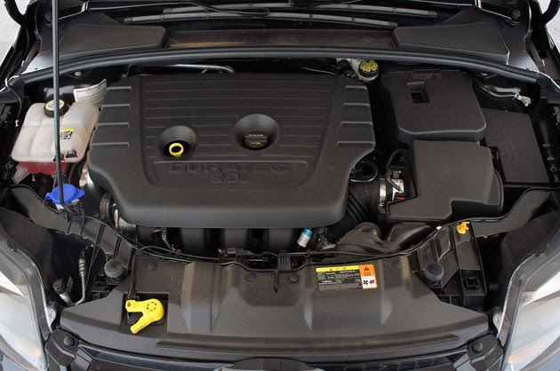 2012 Ford Focus Titanium engine